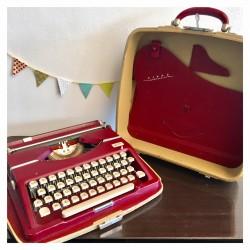 Typewriter TIPPA TRIUMPH