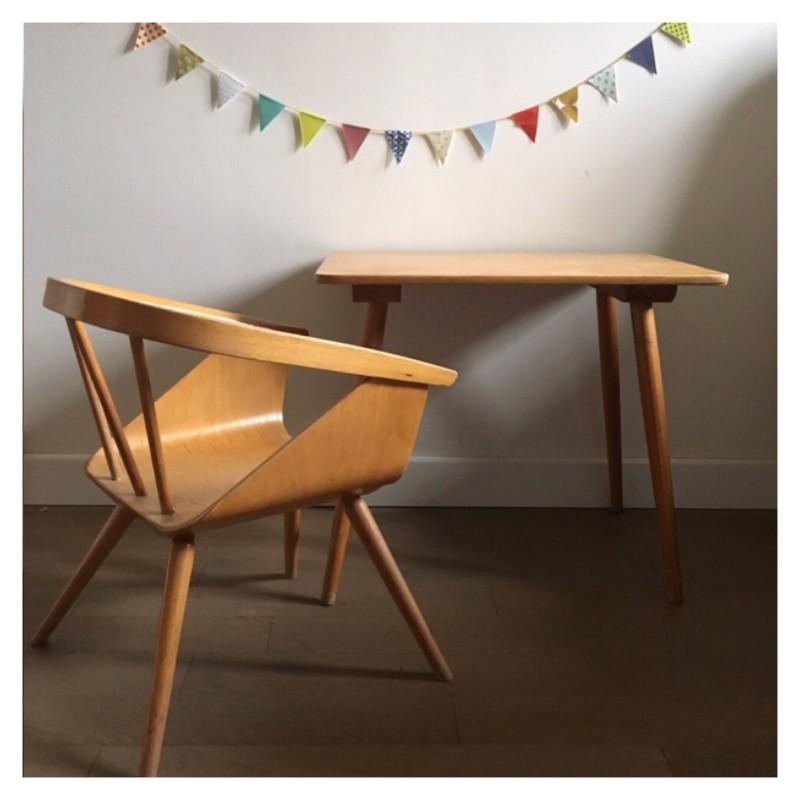 ensemble chaise bureau enfant. Black Bedroom Furniture Sets. Home Design Ideas